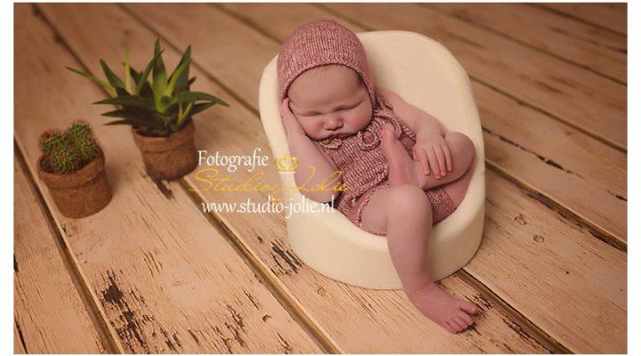 Newbornfotoshoot newborn Robin Spijkenisse