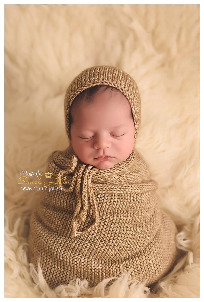 newborn jongen