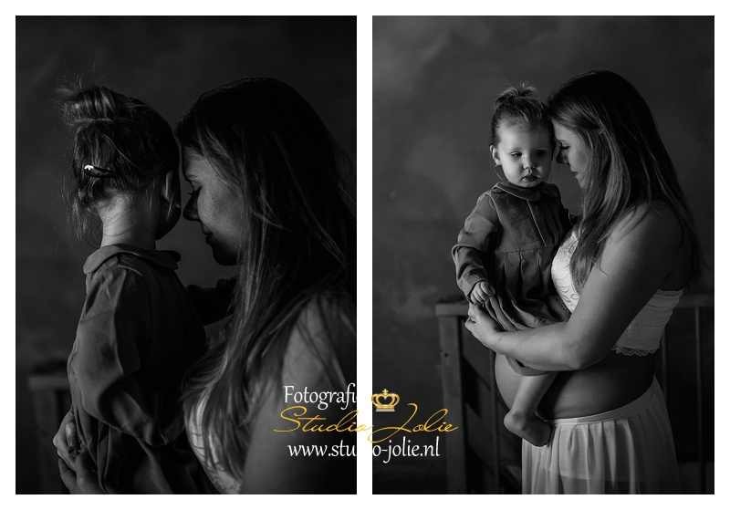 fotostudio zwangerschap met kind.jpg