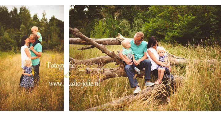 Fotoshoot gezin buiten natuur
