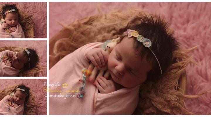 Newbornshoot met zus
