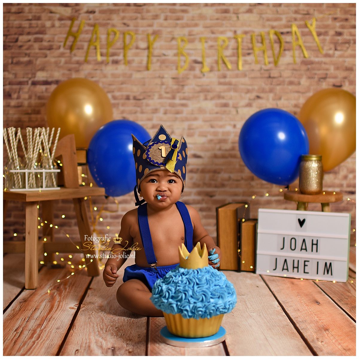 cakesmash royal blue thema.jpg