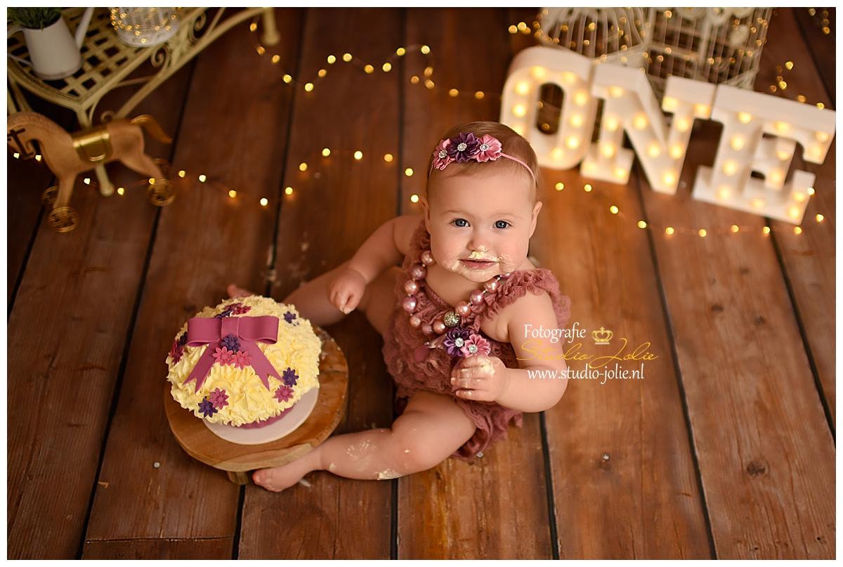 cakesmash baby meisjejpg.jpg