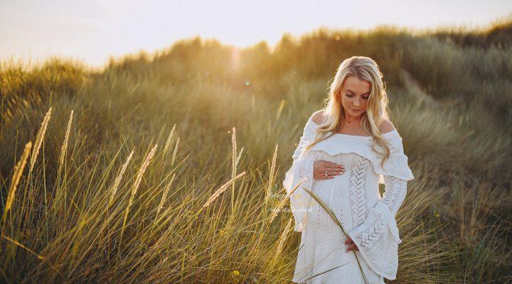 zwangerschapfotoshoot in de duinen