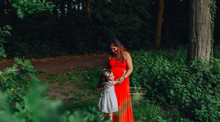 zwangerschapfotoshoot bos